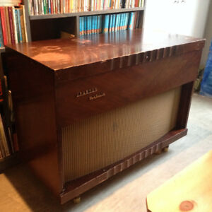Vintage Sparton stereo cabinet - record player