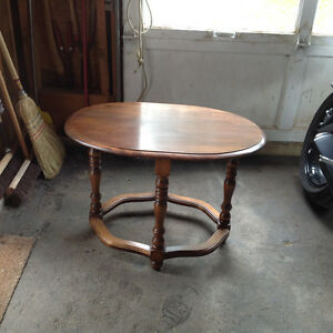 Oval Coffee/End Table