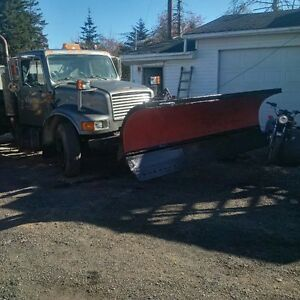Parting out 1991 international 5 ton plow truck