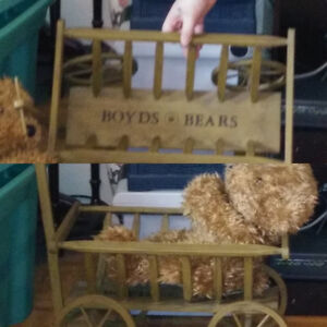 Boyds Bear Wooden Pull Hay Wagon with Handle