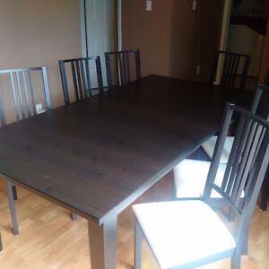 BIG Beautiful Brown Black Finish Dining Table 8 Chairs