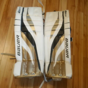 "33""+1"" Senior Bauer Hockey Goalie Pads Like New"