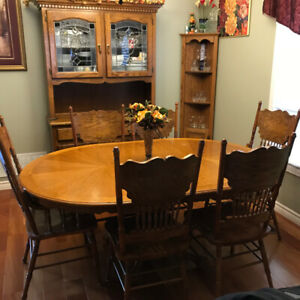 Dining Table Set with Hutch and Cabinet-Solid Oak - $500