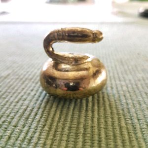 """$20 VINTAGE SMALL SOLID BRASS CURLING STONE PAPERWEIGHT"