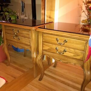 'Kaufman of Collingwood' End Tables with glass tops