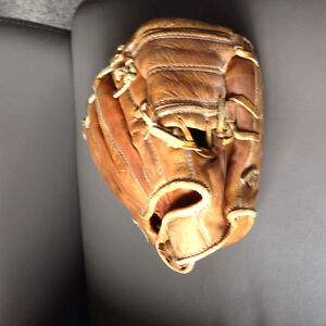 Vintage little League Ball Glove
