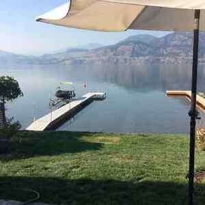 Skaha waterfront home with attached garage - Oct to April