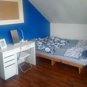 Bedroom for Rent in house downtown. Wifi and Parking