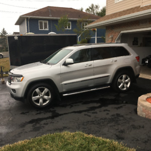 FOR SALE:   2012 Jeep Grand Cherokee 4x4 EXCELLENT CONDITION