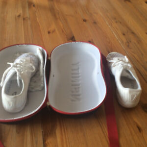 Cheerleader shoes and case like new size 9 fits 8 women's