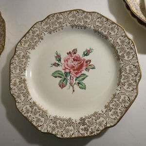 6 Plates Serving Platters European Dishes Floral Christmas Kitchener / Waterloo Kitchener Area image 7
