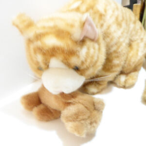 LARGE SOFT/CUDDLY MOTHER CAT WITH KITTEN STUFFED ANIMALS/MINT