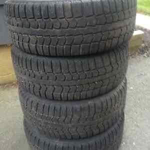 set of 4 Pirelli 215/55/R16 snow tires