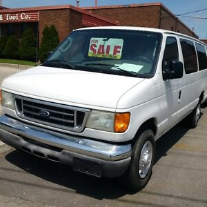 2004 Ford E-350 Wagon