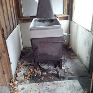 Wood fired syrup evaporator
