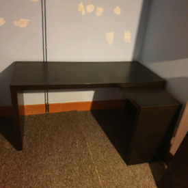 Black Extendable Desk MUST GO BY FRIDAY EVE