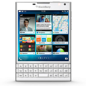 White Blackberry Passport AZERTY