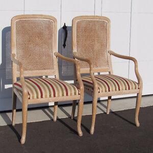 Deux chaises antiques vintage antiquité