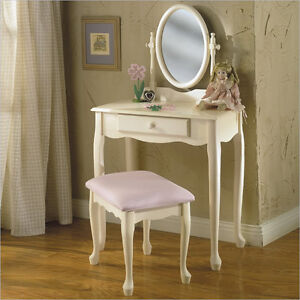 SMALL VANITY MAKEUP TABLE WANTED