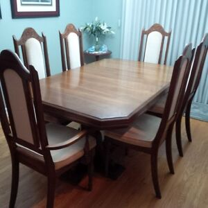 Oak Dinning Table and China Cabinet