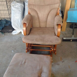Solid wood glider rocker with ottoman