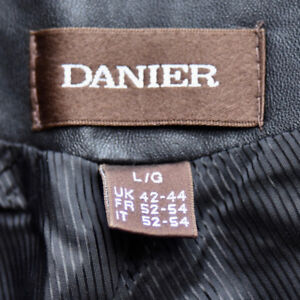 New without Tags - Danier Blk Leather Vest size UK 42-44 Large
