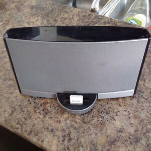 Bose SoundDock Portable w/ Battery & Charger, Bluetooth, Case