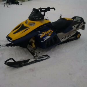 FOR SALE 2005 SKI-DOO SUMMIT 800