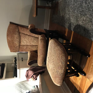 Dutailier glider and ottoman excellent condition