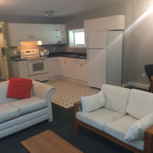 STUDENT RENTAL - Three bedroom apartment - for Sept 2018