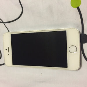 unlocked iphone5s near brand new with cases.