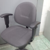 SIX office chairs - like NEW condition