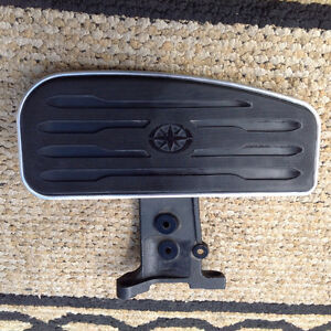 99-09 YAMAHA ROYAL STAR  Front Footrest - Right side