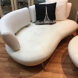F2 Modern White Loveseat, Chair and Ottoman Set Mint