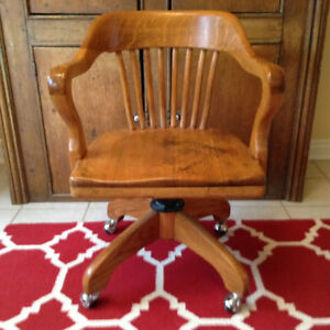 Vintage 1940's Oak Swivel Office Chair- great condition