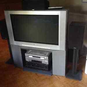Tv stand Oakville / Halton Region Toronto (GTA) image 1