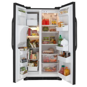 Frigidaire 25.6 cu. ft. Side by Side Refrigerator in Black