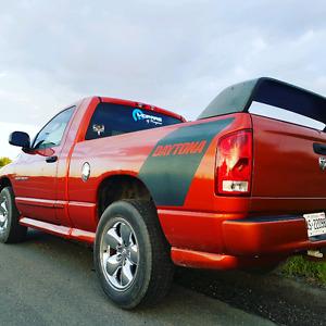 2005 dodge ram 1500 (Daytona Edition)