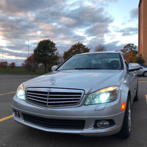 2008 Mercedes-Benz C-300 fully loaded