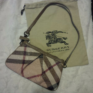 Special Ltd. Edition Burberry Wristlet/ Clutch/Purse (Brand New)