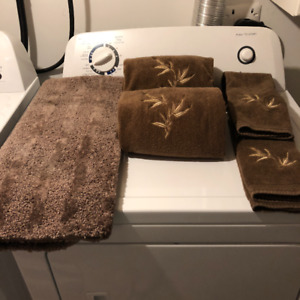Hand Towels & Bath Mat Set