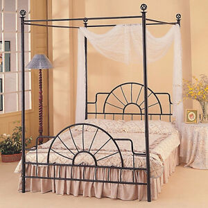Queen sized wrought iron poster bed Kitchener / Waterloo Kitchener Area image 1