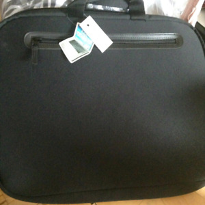 """Brand New 17"""" Laptop Carry Bag Tag on"""