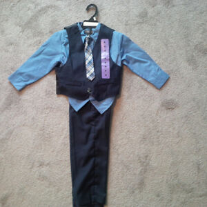 """Brand New Boys """"Kenneth Cole"""" Suit - Size 4T"""