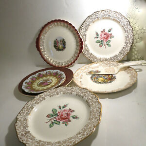 6 Plates Serving Platters European Dishes Floral Christmas Kitchener / Waterloo Kitchener Area image 2