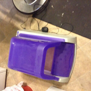 Scoop free automatic litter box
