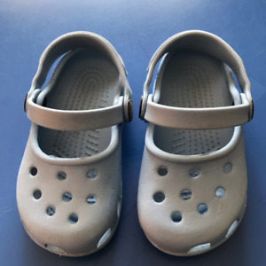 eaaddae33 crocs - toddler 6 7