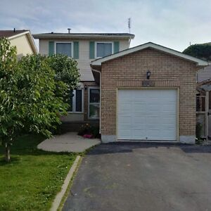 Available Feb 1 - Detached 3 Bedroom Home in North Burlington