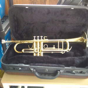 Accent Trumpet with case
