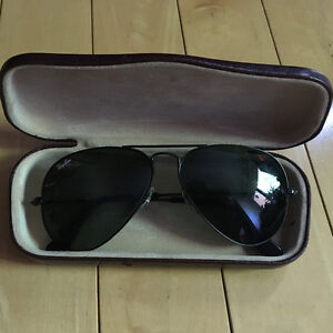 Barely used Ray-Ban sunglasses